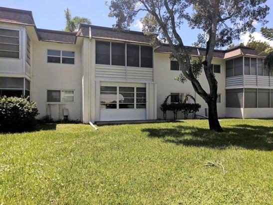 Condo/Townhouse - Palm Springs, FL (photo 1)