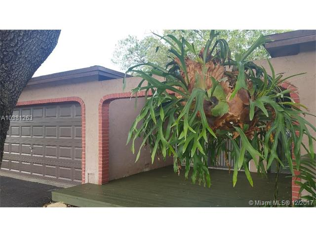 8941 Nw 7th Ct, Pembroke Pines, FL - USA (photo 4)