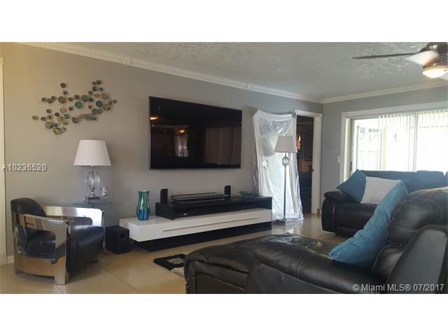 Single-Family Home - Sunrise, FL (photo 2)
