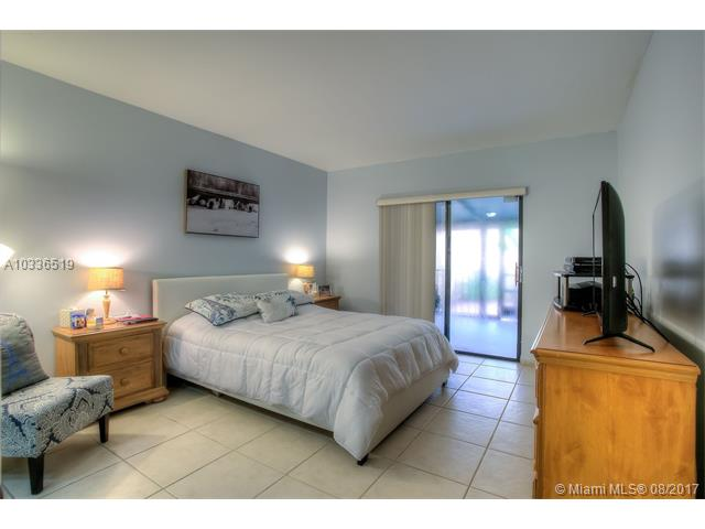 Condo/Townhouse - Miami Lakes, FL (photo 5)