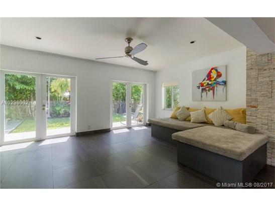 Single-Family Home - North Bay Village, FL (photo 2)