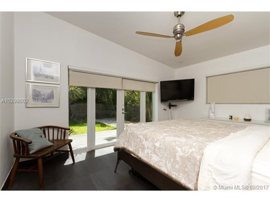 Single-Family Home - North Bay Village, FL (photo 4)