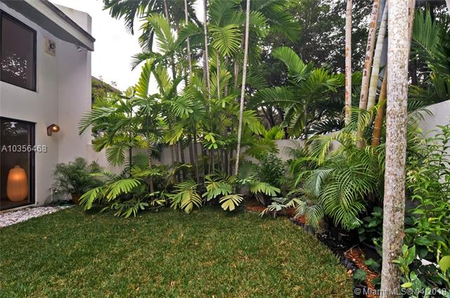 7085 Sw 67th Ave  #15, South Miami, FL - USA (photo 2)