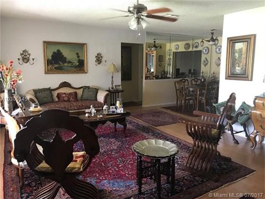 Single-Family Home - Tamarac, FL (photo 2)