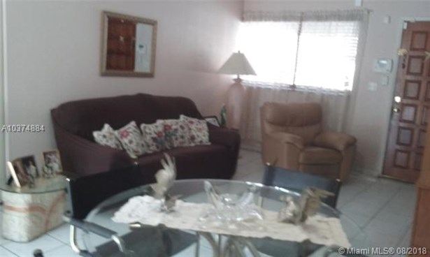 2730 W 60th Pl  #101, Hialeah, FL - USA (photo 2)