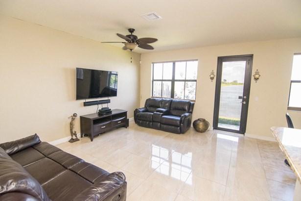 Condo/Townhouse - Parkland, FL (photo 5)