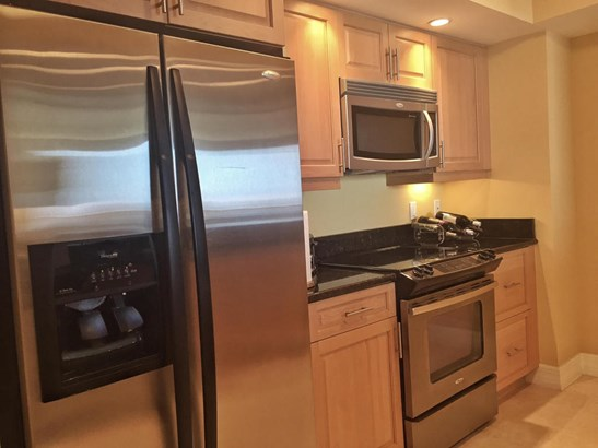 Condo/Townhouse - Singer Island, FL (photo 4)