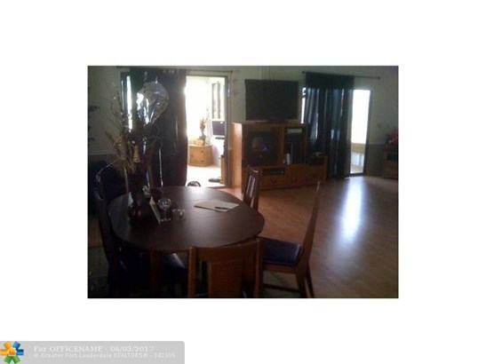 Single-Family Home - Dania, FL (photo 4)