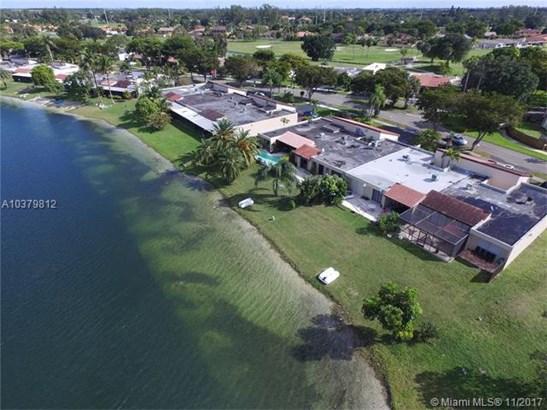 19410 E Lake Dr  #19410, Hialeah, FL - USA (photo 2)
