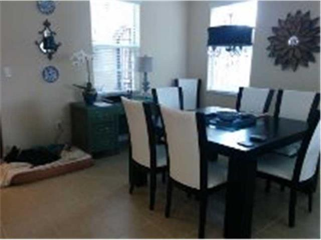 Condo/Townhouse - Pembroke Pines, FL (photo 4)