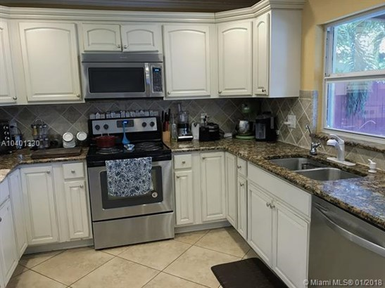 10680 Nw 6th Court, Coral Springs, FL - USA (photo 4)