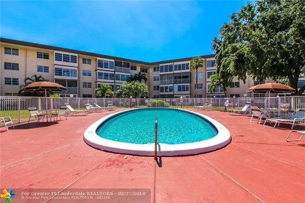 2881 Nw 47th Ter #405, Lauderdale Lakes, FL - USA (photo 2)