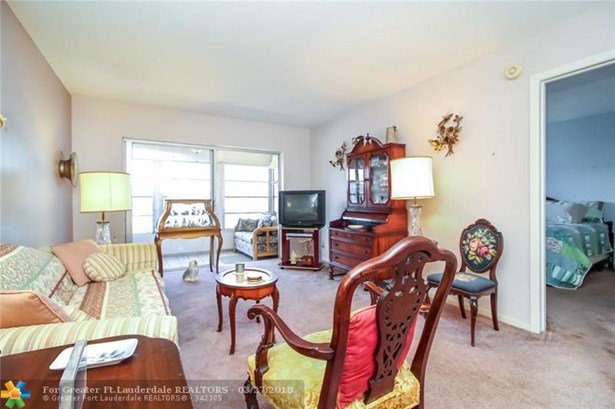 2881 Nw 47th Ter #405, Lauderdale Lakes, FL - USA (photo 4)