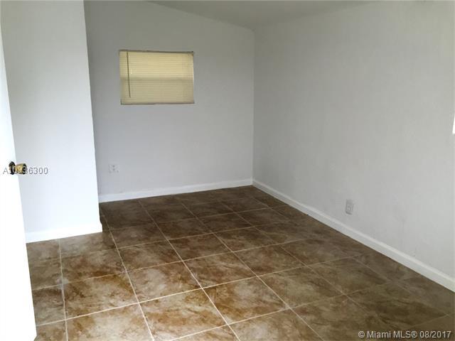 Rental - Lauderhill, FL (photo 4)