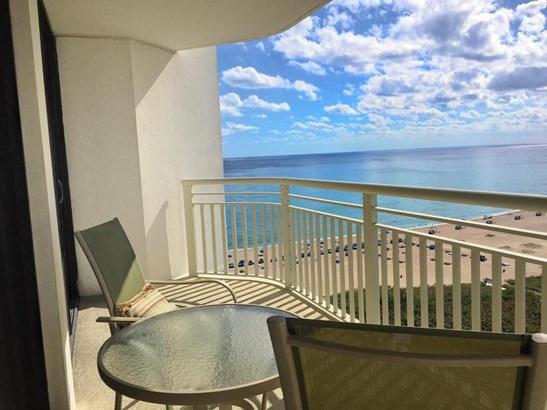 Condo/Townhouse - Singer Island, FL (photo 3)