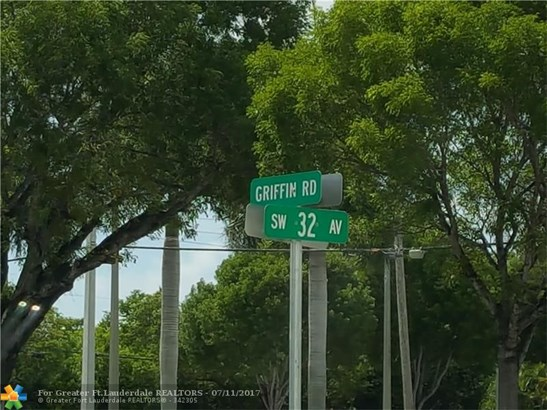 4717 Sw 32nd Ave, Fort Lauderdale, FL - USA (photo 3)