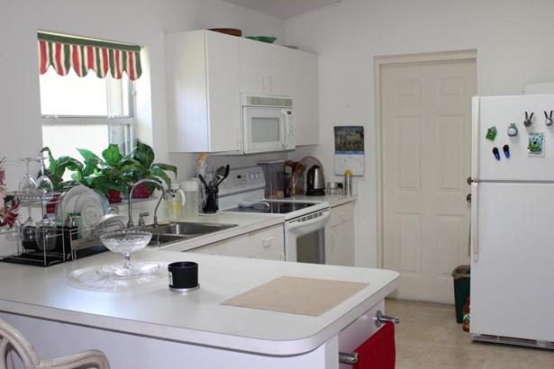 Single-Family Home - Fort Pierce, FL (photo 2)