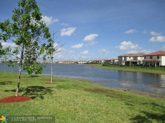 8640 Lakeside Bnd, Parkland, FL - USA (photo 2)