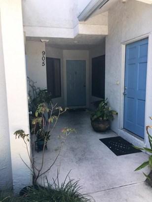 Condo/Townhouse - Greenacres, FL (photo 2)