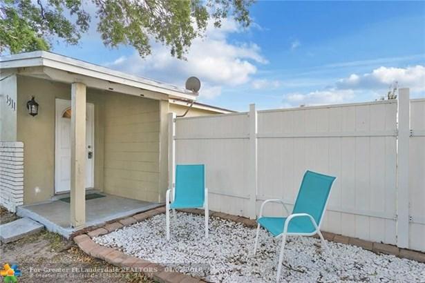 3911 Sw 59th Ave, Davie, FL - USA (photo 4)