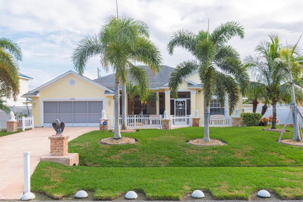 2348 Sw Almansa Avenue, Port St. Lucie, FL - USA (photo 1)