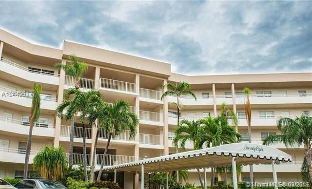 3960 Oaks Clubhouse Dr  #404, Pompano Beach, FL - USA (photo 1)