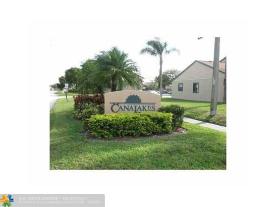 Condo/Townhouse - Green Acres, FL (photo 1)