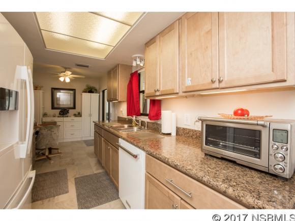Single-Family Home - Edgewater, FL (photo 5)