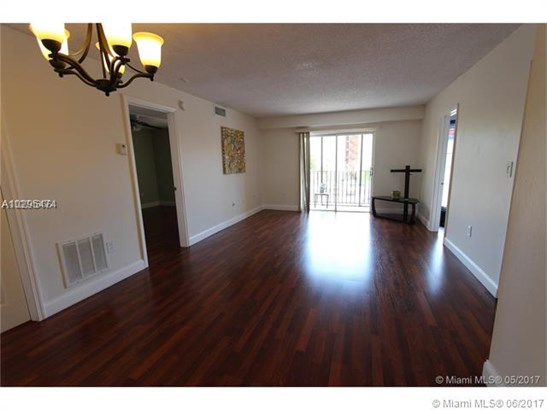 Condo/Townhouse - Miami, FL (photo 4)