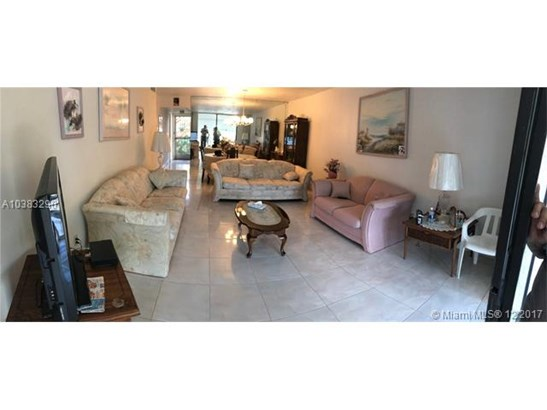 2811 Somerset Drive  #315, Lauderdale Lakes, FL - USA (photo 1)