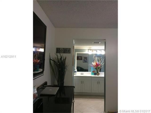 8000 Hampton Blvd, North Lauderdale, FL - USA (photo 4)