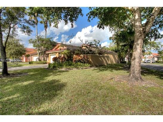 6301 Nw 173rd Ln, Hialeah, FL - USA (photo 2)