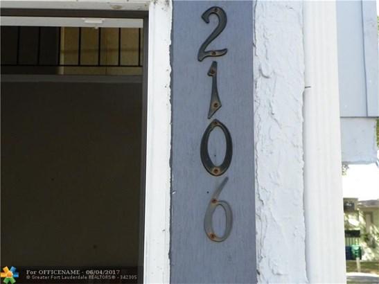 Condo/Townhouse - Lauderhill, FL (photo 4)