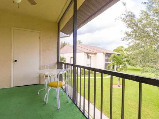 Condo/Townhouse - Greenacres, FL (photo 5)