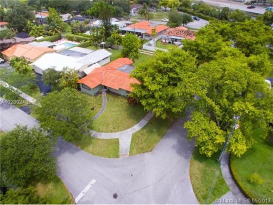Single-Family Home - Miami Springs, FL (photo 4)