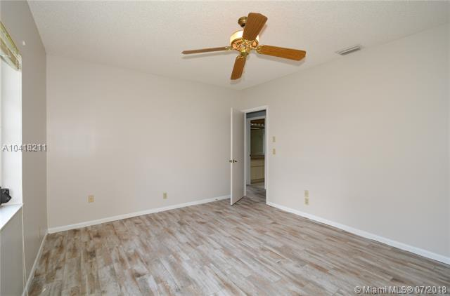 3920 Nw 105th Ave, Coral Springs, FL - USA (photo 3)