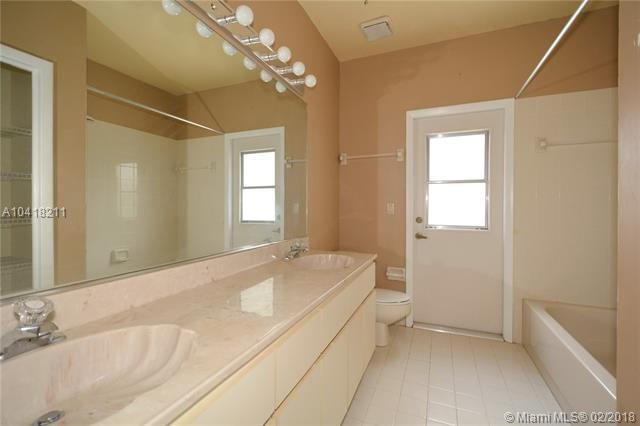 3920 Nw 105th Ave, Coral Springs, FL - USA (photo 5)