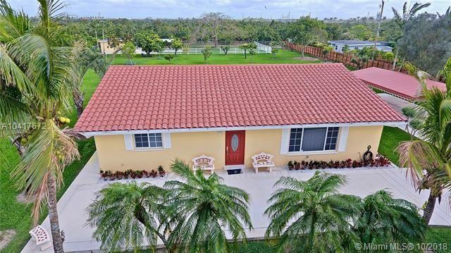 28505 Sw 207 Ave, Homestead, FL - USA (photo 3)