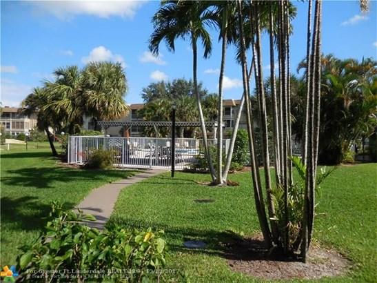 5031 W Oakland Park Blvd #308, Lauderdale Lakes, FL - USA (photo 1)