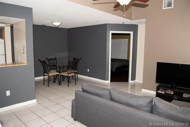 2135 Champions Way  #2135, North Lauderdale, FL - USA (photo 5)