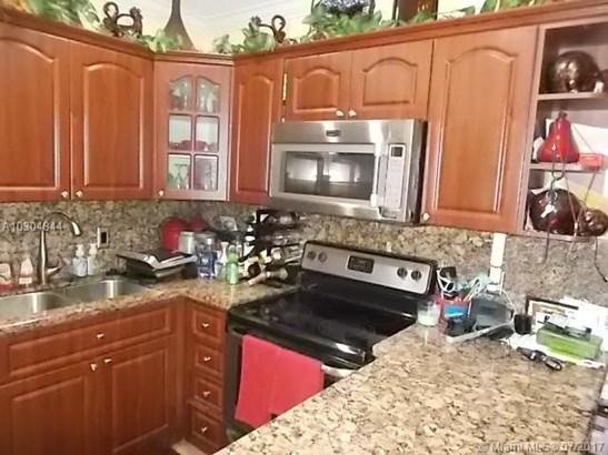 Single-Family Home - Miami Gardens, FL (photo 5)