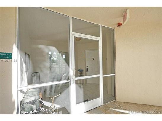 9563 Weldon Cir  #d208, Tamarac, FL - USA (photo 4)