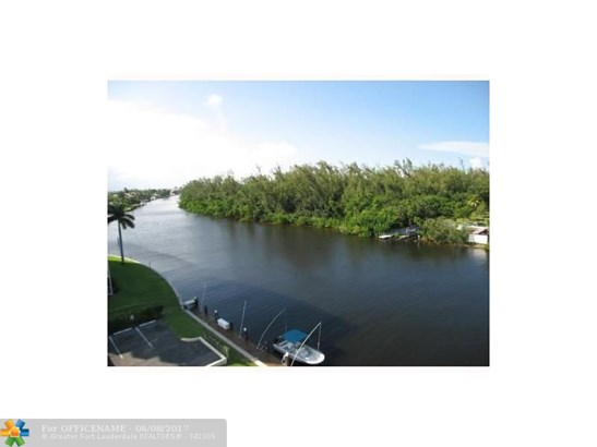 1627 Ne Riverview Rd #715, Deerfield Beach, FL - USA (photo 2)