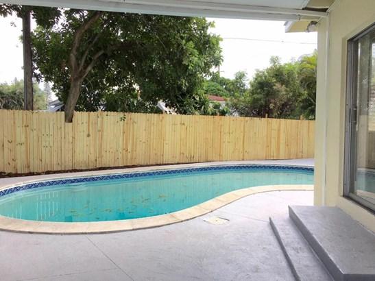 15791 Ne 18th Avenue, North Miami Beach, FL - USA (photo 4)