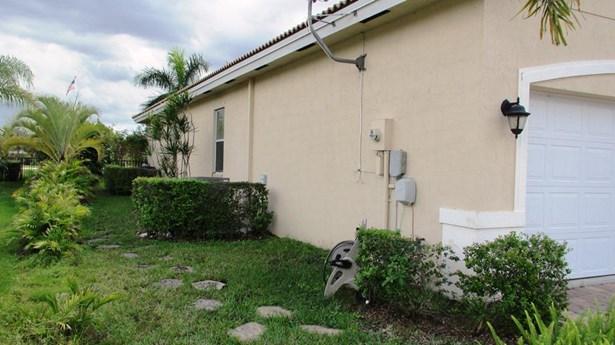 500 Rachel Lane, West Palm Beach, FL - USA (photo 5)