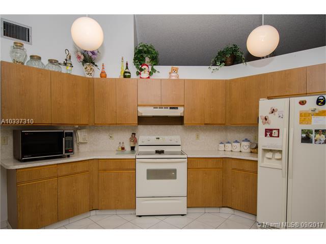 Single-Family Home - Margate, FL (photo 3)