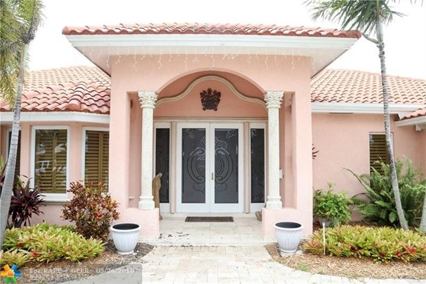 5710 Bayview Dr, Fort Lauderdale, FL - USA (photo 2)