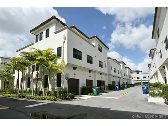 Condo/Townhouse - Doral, FL (photo 3)