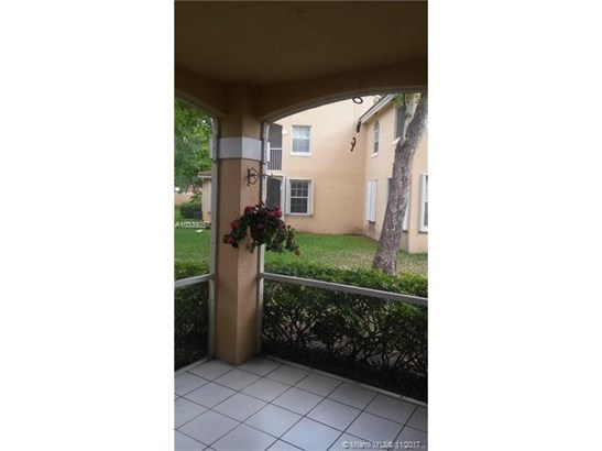 14715 Balgowan Rd  #105-9, Miami Lakes, FL - USA (photo 4)