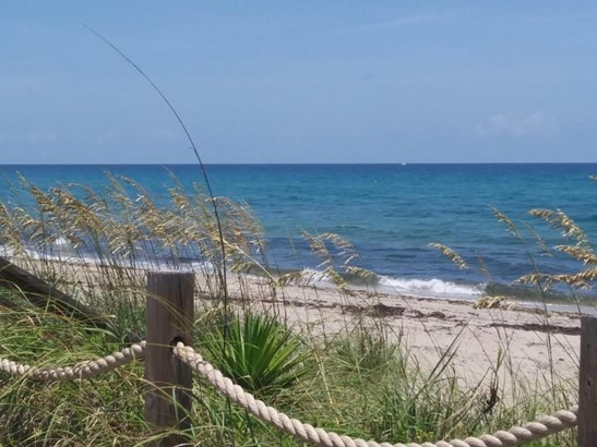5720 Old Ocean Boulevard Unit 1w, Ocean Ridge, FL - USA (photo 1)